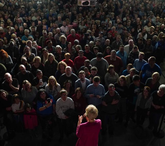 Elizabeth Warren speaking to a crowd